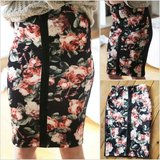H&M skirt vintage flower print + zipper in Baumholder, GE