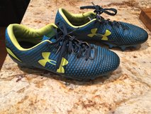 Under Armour Youth Cleats 7 1/2 in Camp Pendleton, California
