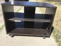 TV Stand w/2 Shelves & Wheels in Alamogordo, New Mexico
