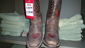 Reduced -- NEW Women's Corral Boots 7.5 in Tomball, Texas