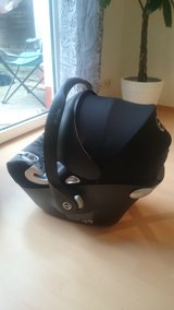 CYBEX CAR SEAT/W BUILT IN SUN SHADE in Ramstein, Germany