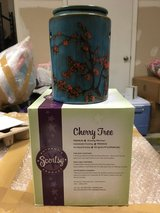 Scentsy warmer - Cherry Tree in Fort Drum, New York