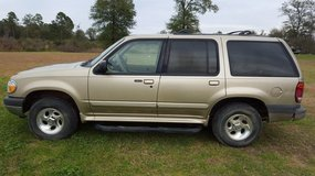2001 ford Explorer XLT 4dr, 4wd in Moody AFB, Georgia