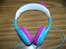 Disney Frozen corded headphones in Bolingbrook, Illinois