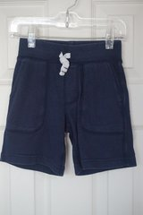 Boys Carter's Navy Cotton Shorts Size 4T in Aurora, Illinois