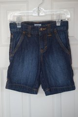 Boys Old Navy Denim Shorts Size 4T in Lockport, Illinois