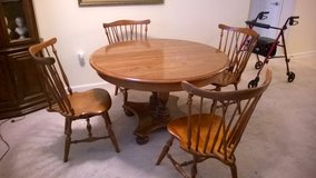 Ethan Allen Round Dining Room Table/chairs in The Woodlands, Texas