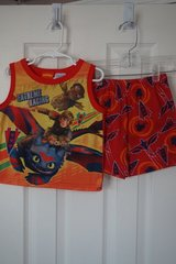 Boys Dreamworks Train Dragon 2-Piece Pajama Set Size 4T in Aurora, Illinois