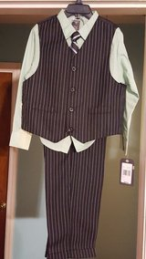 BRAND NEW WITH TAGS DOCKERS 4 PIECE KIDS SUIT SIZE 7 in Warner Robins, Georgia