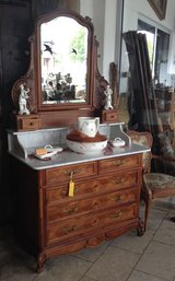 superb dresser with mirror in Hohenfels, Germany