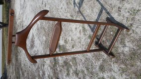 Wooden Clothes Valet Stand Suit Rack in Camp Lejeune, North Carolina
