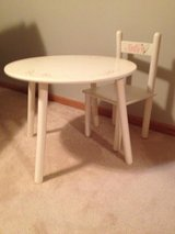 Kiddie Table and Chairs in Batavia, Illinois
