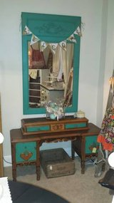 Vanity/Foyer/Entry Table and mirror in Fairfax, Virginia