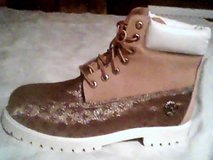 Timberland - Custom Louis Vuitton Gold Suede & Halogram Design Boots - Brand New in Mannheim, GE