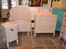 SOLD  Dresser Vintage Blush Color Also has other matching bedroom pieces in Morris, Illinois