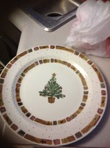 Pier 1 beautiful Christmas plates new set of 8 in Vacaville, California