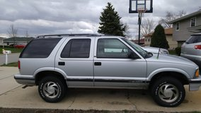 1996 Chevy blazer in Kankakee, Illinois
