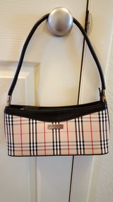 NEW PRICE!!Fake Burberry Purse in Davis-Monthan AFB, Arizona