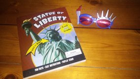 Statue of Liberty model & sunglasses in Houston, Texas
