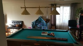 parlor size pool table extra balls sticks and Light in Fort Lewis, Washington