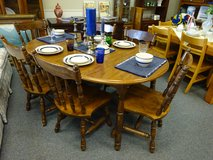 Dark Pine round table with leaves/ 6 chairs in Aurora, Illinois
