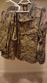 set cammies excellent condition plus extra bottoms in Camp Pendleton, California