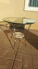 Outdoor table in Lake Elsinore, California