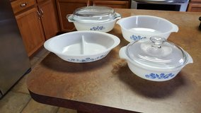 Vintage fire king 6 piece cassrole set in Chicago, Illinois