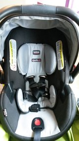 Car Seat Infant / Base in Conroe, Texas