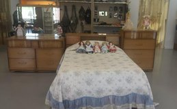 Vintage bedroom set in Little Rock, Arkansas