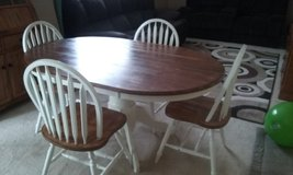 Dining Table with 4 chairs in Columbia, South Carolina