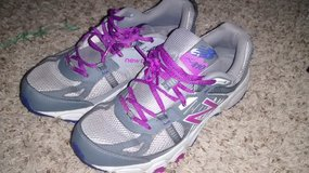 New Balance Womens Sneakers (Like New) in Beaufort, South Carolina