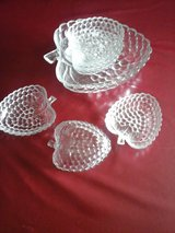 Glass bowl with 6 small bowls in Baumholder, GE