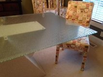 Dining room table and chairs in O'Fallon, Missouri