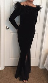 Black Evening Dress 2pc Size M Top Size S Skirt in Kingwood, Texas