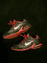 BOYS NIKE SZ 2 in Fort Campbell, Kentucky