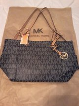 michael kors tote purse in Fort Rucker, Alabama