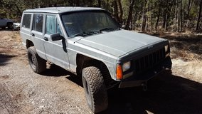 Lifted Jeep Cherokee 4x4--For Sale or Trade in Alamogordo, New Mexico