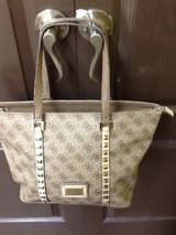Women Guess Shoulder Hand Purse in The Woodlands, Texas