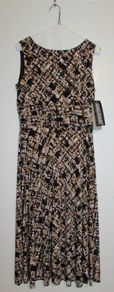 #53 Size 6 (M) NEW Jessica Howard Long Dress in Ramstein, Germany