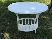 Vintage Shabby chic oval magazine end table in Fort Belvoir, Virginia