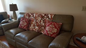 **** Lazy Boy Sofa *** in Fort Rucker, Alabama