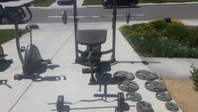 weight bench/weights in Lake Elsinore, California
