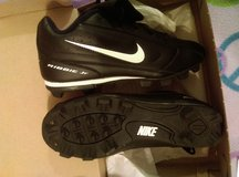 new Nike baseball cleats youth size 6 in Fort Leavenworth, Kansas