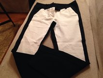 Size 6 Ankle Pants in Aurora, Illinois