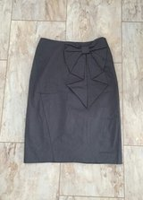 H&M grey pencil skirt with bow in Baumholder, GE