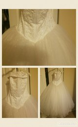 Tulle wedding dress size 12 (fits like a 10) in Naperville, Illinois