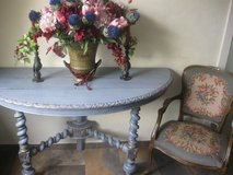 Antique console with armchair in Baumholder, GE