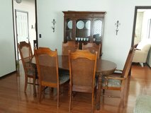 Dining set in Glendale Heights, Illinois