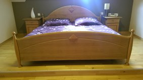 Very nice wooden bedroom set in good condition in Spangdahlem, Germany